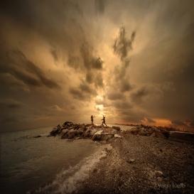 Chasing_the_sun_by_YagaK