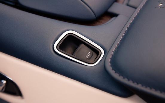 Aston Martin DB11 Volante-019