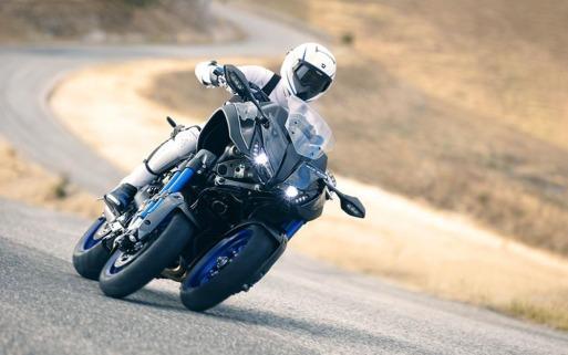 Yamaha Niken-000