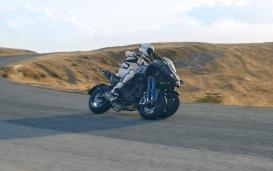 Yamaha Niken-013