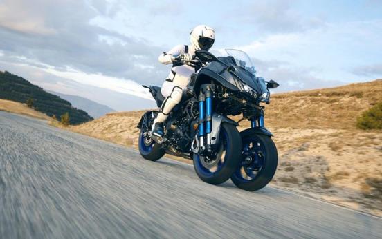 Yamaha Niken-019