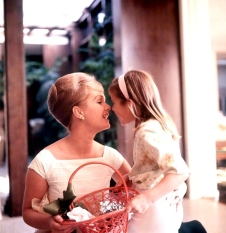 1965 Debbie Reynolds Carrie Fisher-000