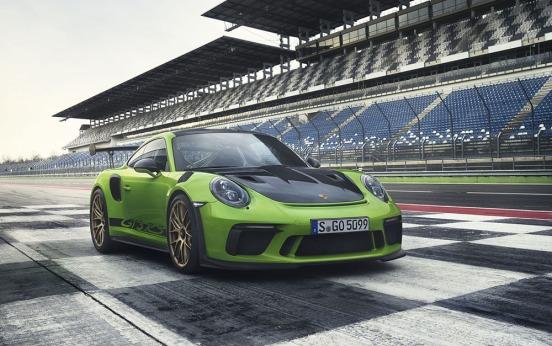 Porsche 911 GT3 RS-011