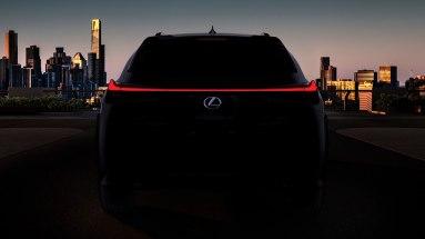 Lexus UX-009