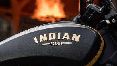 Indian Scout Bobber Jack Daniel's-013