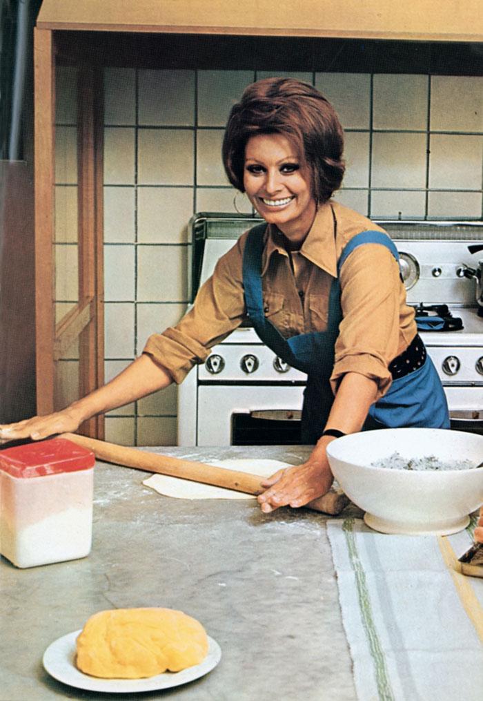 1971 Sophia Loren cocina-001