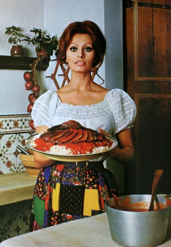 1971 Sophia Loren cocina-002